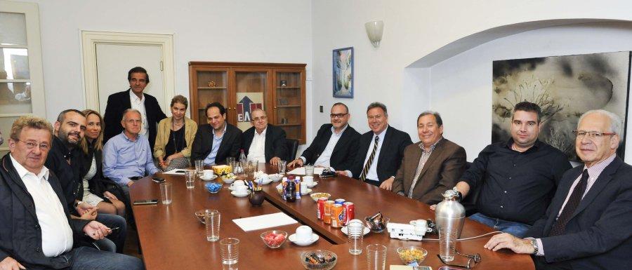 Συνάντηση Γιάννη Σγουρού με την ηγεσία του ΣΕΛΠΕ