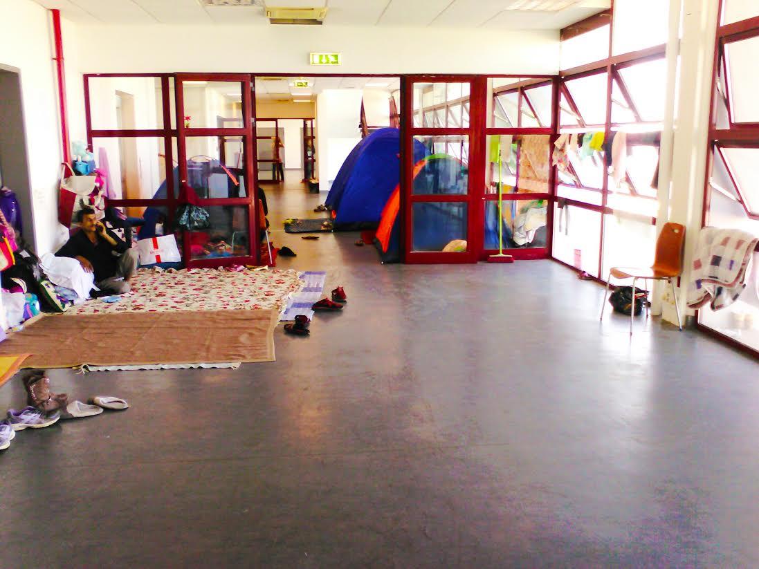 Να παρέμβει η Περιφέρεια για τις συνθήκες διαβίωσης των προσφύγων στο Ελληνικό