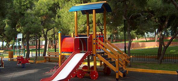 ΑΠΟΚΑΛΥΨΗ ΒΟΜΒΑ: Χωρίς πιστοποιητικό συμμόρφωσης οι 28 από τις 34 παιδικές χαρές του Δήμου Αμαρουσίου