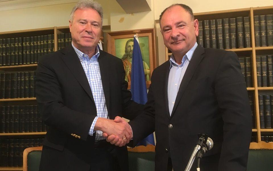Επίσκεψη Γ. Σγουρού στον Πειραιά, συνάντηση με τον πρόεδρο του Βιοτεχνικού Επιμελητηρίου